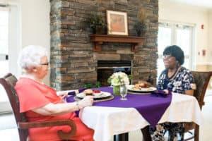 residents eating dinner